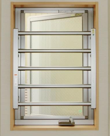LIXIL室内面格子 縦すべり出し窓の防犯対策 名古屋市昭和区